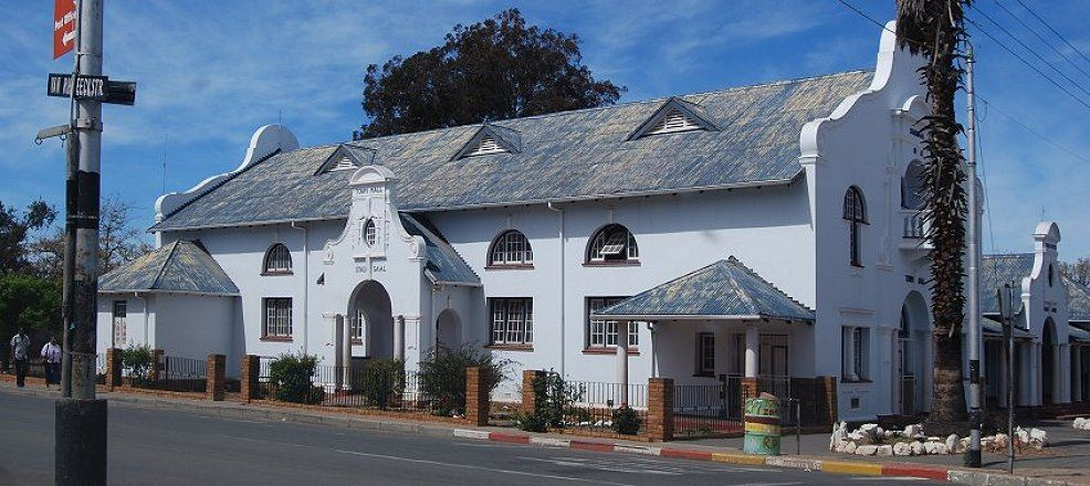 ladismith stadthalle